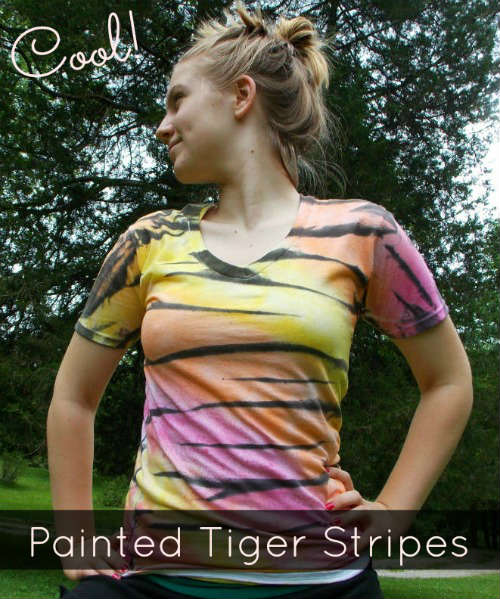 How to Paint Tiger Stripes on a T-Shirt, A FiberArtsy.com fabric painting tutorial