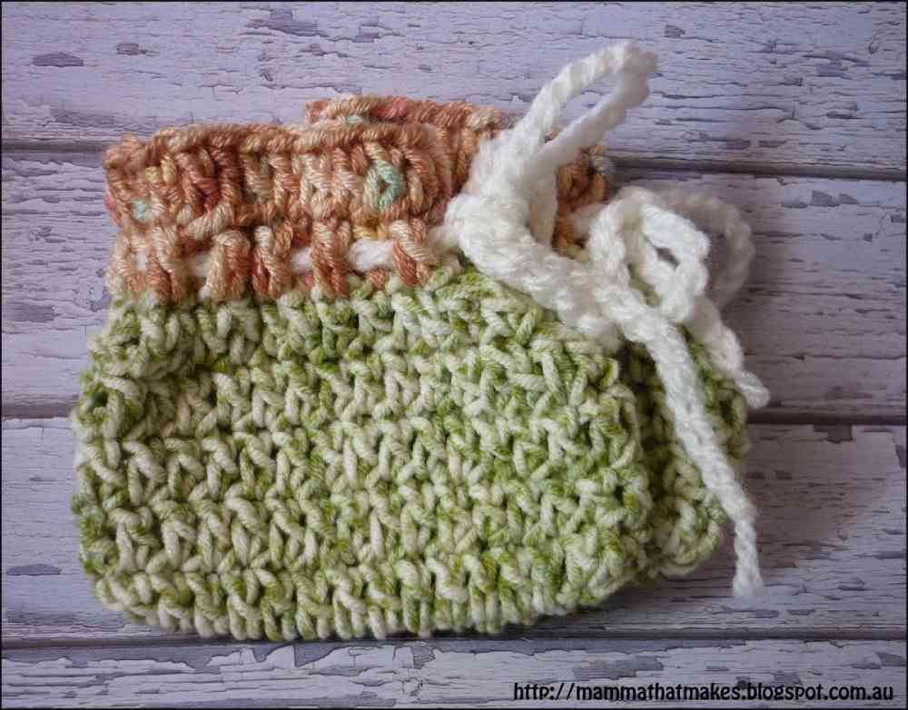 Fast and easy crochet baby sock pattern