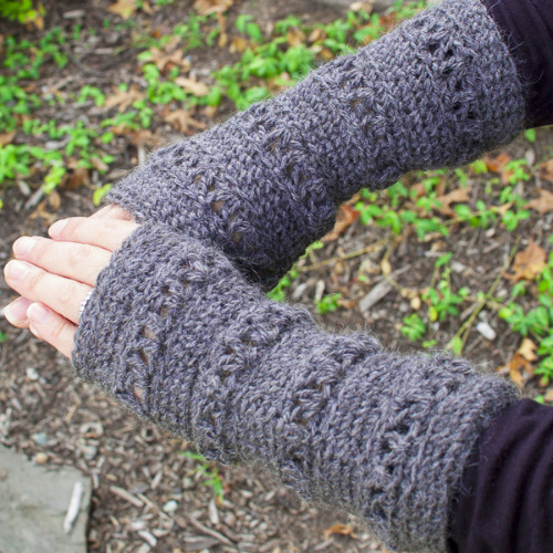 V Stitch Wristwarmer Pattern by Petals to Picots