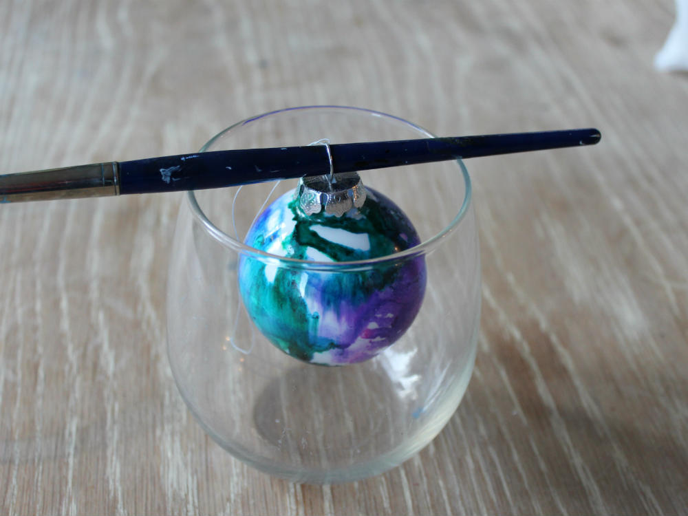 Hang the glass ornament to dry