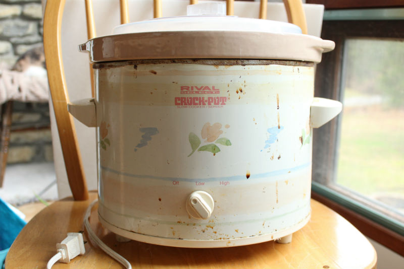 Crock Pot for dyeing yarn