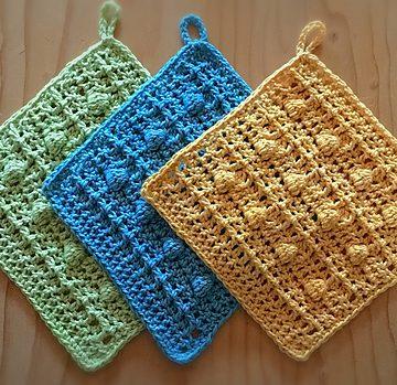 Free Crochet Pattern - Potholders or Trivets
