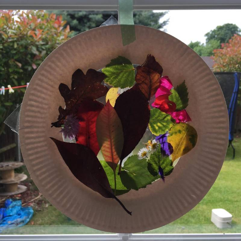 DIY Suncatcher made with natural materials